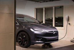 Tesla thuis laden